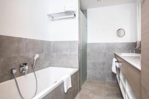 Hohe Salve bath room 3