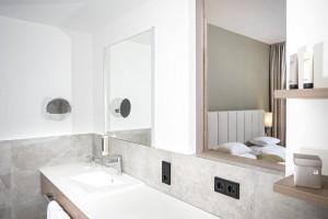 Hohe Salve bath room